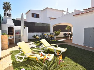 Villa Luisa 900 metres from the Beach
