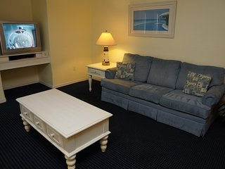 1st Floor Sleeps 6, 2 Bed, 2 Bath RAB12102