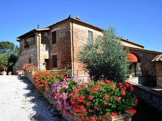 Brucciano Holiday Home Sleeps 20 with Pool Air Con and WiFi - 5829772