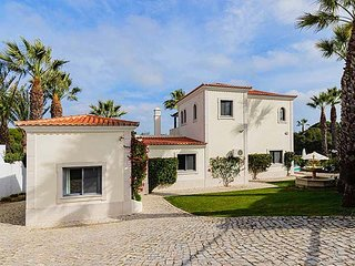 Quinta do Lago Villa Sleeps 6 with Pool Air Con and WiFi - 5829701