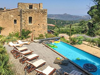 Beautiful home in Ville di Paraso w/ Outdoor swimming pool, WiFi and 4 Bedrooms