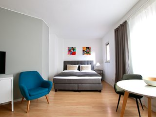Bis-4431 . Apartment zentral im Belgischen Viertel