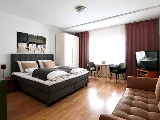 Bis-4434 . Apartment zentral im Belgischen Viertel