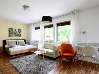 Pan-3114 . Modern Apartment, quiet location in the city