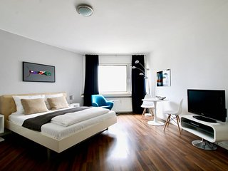 Pan-3122 . Modern Apartment, quiet location in the city