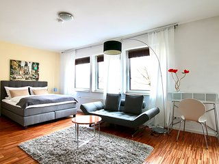 Pan-3124 · Modern Apartment, quiet location in the city
