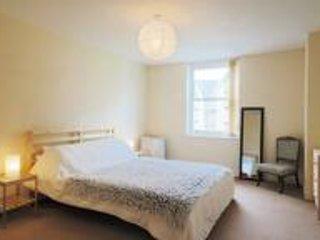 Bingley Court - Open plan apartment near Canterbury East Station