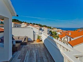 Hvar Apartment Sleeps 4 with Air Con - 5760619