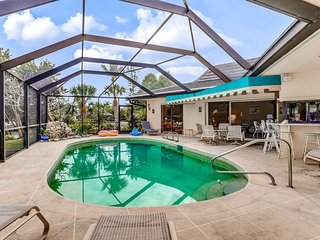 Sunny home with patio, outdoor shower, private pool, and dock - boats okay!