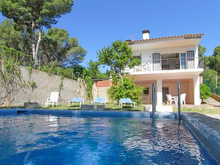 Tamariu Villa Sleeps 4 with Pool and Free WiFi - 5509386