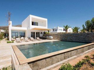 Paros Villa Sleeps 8 with Pool and Air Con - 5714111