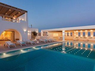 Paros Villa Sleeps 11 with Pool and Air Con - 5714099