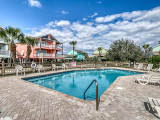 Spacious beach getaway w/ free WiFi, shared outdoor pool, & beach access!