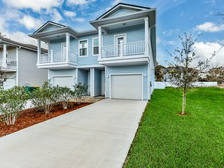 Spacious, dog-friendly ocean home near Jax beach- great location!
