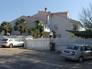 Veli Maj Apartment Sleeps 4 with Pool Air Con and WiFi - 5578370