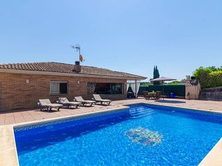 Franciac Villa Sleeps 6 with Pool Air Con and WiFi - 5509473
