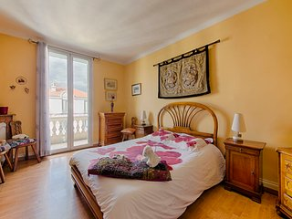 BIG AND CONFORTABLE APARTMENT 80m2 - LIBERATION