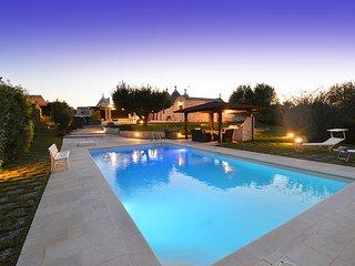 Locorotondo Villa Sleeps 5 with Pool and WiFi - 5690283