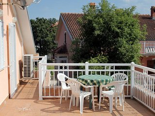 Njivice Apartment Sleeps 4 with Air Con and WiFi - 5464298