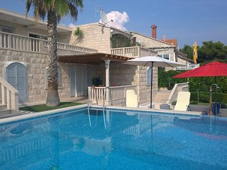 Sumartin Holiday Home Sleeps 14 with Pool and Air Con - 5461514