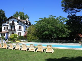 Soustons Villa Sleeps 16 with Air Con and WiFi - 5687699