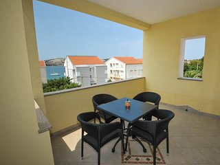Kanat Apartment Sleeps 4 with Air Con and WiFi - 5584478