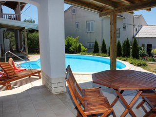 Rab Apartment Sleeps 4 with Pool Air Con and WiFi - 5461814