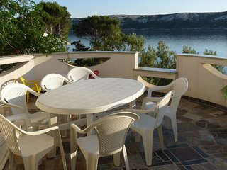 Kastel Apartment Sleeps 8 with Air Con and WiFi - 5469536