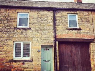 Charming, cosy cottage set in beautiful Montacute