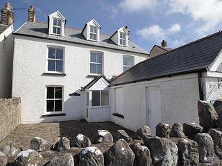 Carreg Lwyd Farmhouse