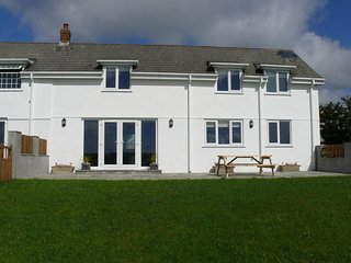Llanelen Farm, Sleeps 4