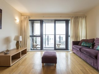 6002. LOVELY 2BR FLAT IN THE HEART OF DUBLIN – HANNOVER QUAY AREA!