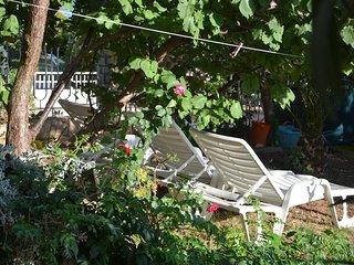 Pirovac Apartment Sleeps 4 with Air Con and WiFi - 5465974