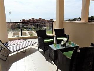 MH21- 2 Bed  Apt Near Beach, Mojon Hills, registered with Murcia Tourist Board, holiday rental in Isla Plana