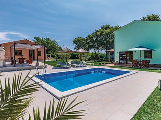 Amazing home in Jasenovica w/ WiFi, Outdoor swimming pool and 4 Bedrooms (CIE849