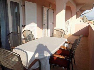 Lopar Apartment Sleeps 4 with Air Con - 5463711