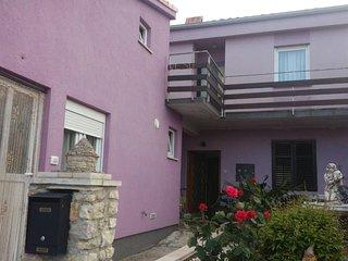 Stinjan Apartment Sleeps 6 with Air Con and WiFi - 5470716