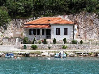 Vozilici Holiday Home Sleeps 6 with Air Con and WiFi - 5467260