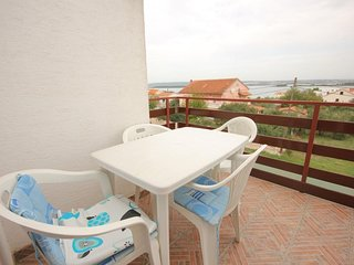 Ugrinici Apartment Sleeps 4 with Air Con and WiFi - 5628787