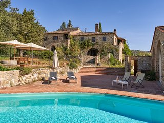 Fioraie Villa Sleeps 12 with Pool and WiFi - 5757148
