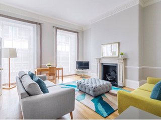 2 Bedrooms, 2 Bathrooms Nice Luxury Serviced Apartment In Mayfair