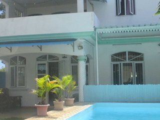 House Private Pool , wifi, jacuzzispa ,security alarm, canal near sea