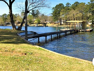 Oaklawn! Fishing! The perfect Lake getaway!