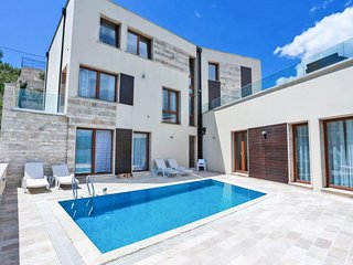 Kaluderovina Villa Sleeps 10 with Pool - 5822906