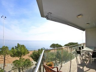 Castell-Platja d'Aro Apartment Sleeps 6 with Free WiFi - 5571306