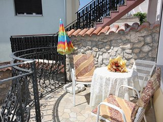 Selce Apartment Sleeps 4 with Air Con - 5464228