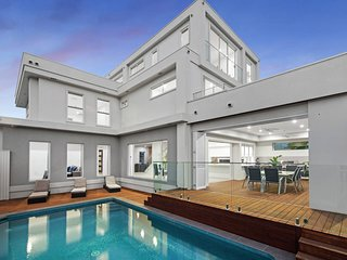 VOGUE HOLIDAY HOMES - ATHENA BROADBEACH