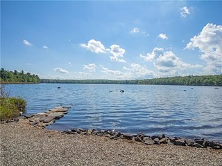 Lakefront 5BR family friendly Catskills retreat!
