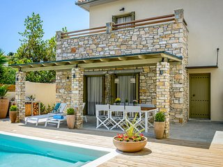 Kato Gatzea Villa Sleeps 6 with Pool and Air Con - 5826626