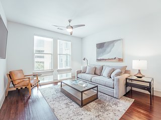 South Lamar Luxury Apartment with Amazing Location